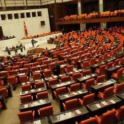 Mecliste-Sınavsız-Atamalar-Tartışıldı